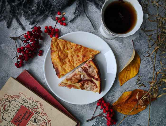 photo of pizza near coffee